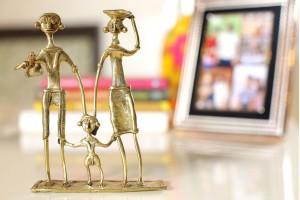 Dhokra Art Adivasi Family Showpiece