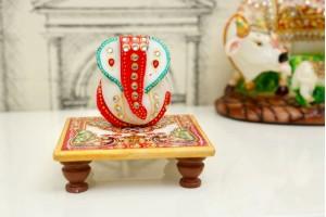 Marble Carved Ganesha With Chowki