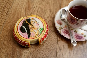 Tea Coaster With Queen : Marble