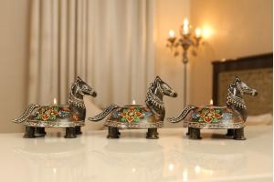 Metal Horse Shape Tea/Candle Light Holder Set
