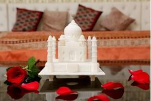 Marble Crafted Taj Mahal-12 cm