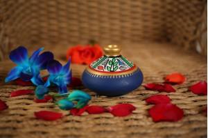 Terracotta Flat Warli Vase-7 cm